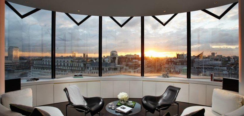 16dme-london-me-suitelivingroom-820x391