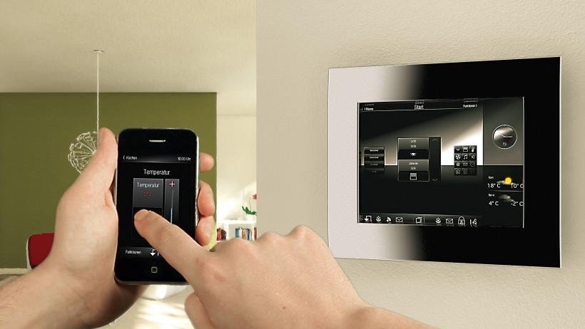 В конце 2003 года технология была утверждена как европейский стандарт EN50090