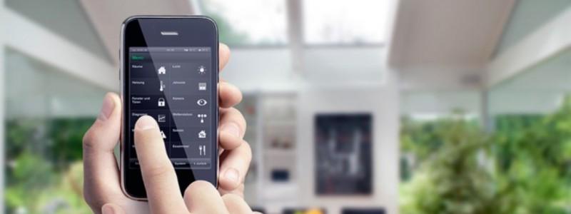 Умный дом (англ. digital home) — жилой автоматизированный дом современного типа, организованный для удобства проживания людей при помощи высокотехнологичных устройств.